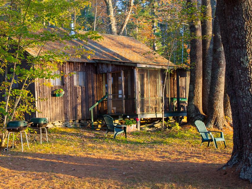 Sunset lodge damariscotta lake maine vacation rental for Fishing cabin rentals near me